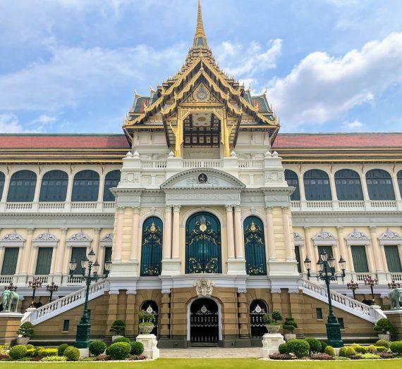Visiting the Grand Palace, Bangkok's NUMBER 1 Sight